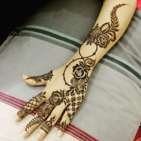 Beautiful Arabic Mehndi Designs For Left Hand